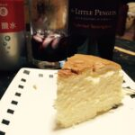 チーズケーキと赤ワイン