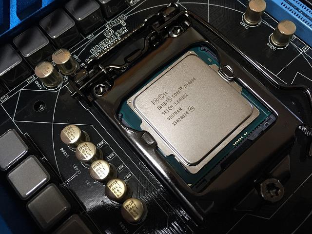 パソコンの自作2CPUやメモリの取り付け